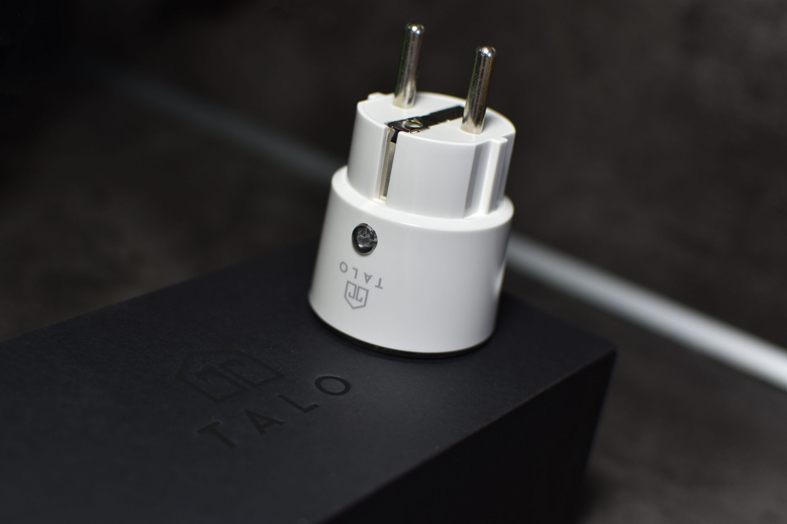 Talo smart plug and giftbox
