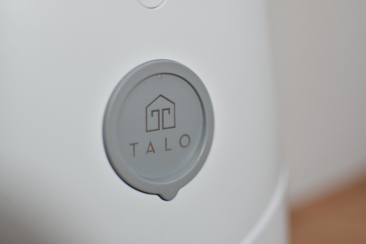 Talo Pet Feeder Close up